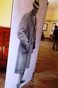Kemény Jánost ábrázoló poszter - az alkotó és a mecénás embernél nagyobb volt KeEmbernagysá