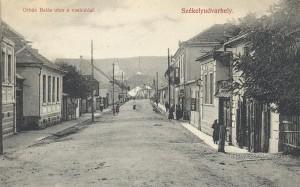 A székelyudvarhelyi Orbán Balázs utca a 20. század elején készült képeslapon