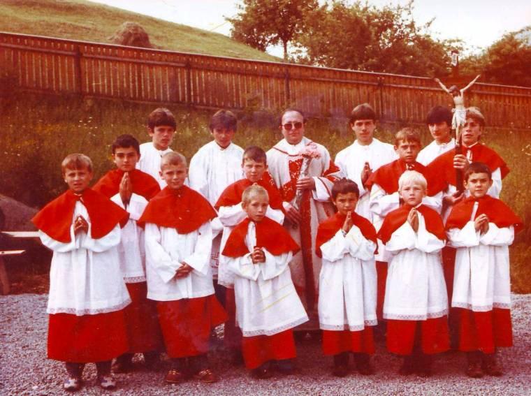 Ministránsokkal a kilencvenes évek elején