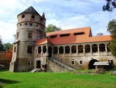 A keresdi Bethlen-kastély részben Böjte atya neveltjeinek üdülője, részben szálloda lesz, amelyet időnként megnyitnak a turisták számára is