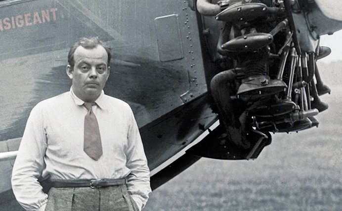 Antoine de Saint-Exupery (Lyon, 1900. június 29 - Marseilles, 1944. júlis 31.) A világhírű író és pilóta a II. világháború végén tűnt el. Gépének roncsait és eltűnésének körülményeit csak az utóbbi években sikerült kideriteniük a kutatóknak