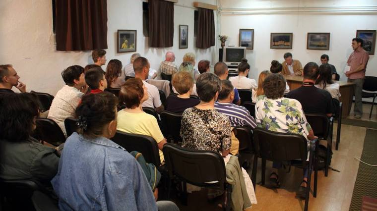 Az író-olvasó találkozó közönsége