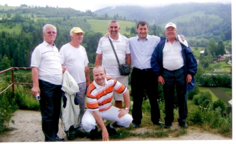 A Szent Imre Plébánia néhány egyháztanácsosával Gyimesbükkön