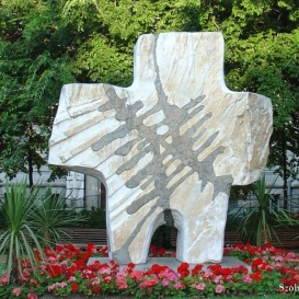 A Gulág magyar áldozatainak emlékműve Budapest V. kerületében, a Homvéd téren