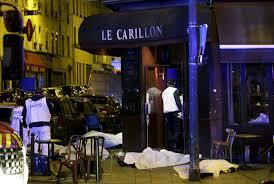 Párizsi utca a robbantásokat követően (Fotó: Philippe Wojazer/Reuters)
