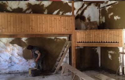 A kultúrotthon felújításában vettek részt a kalákázók (Csekefalva-Kiskede)