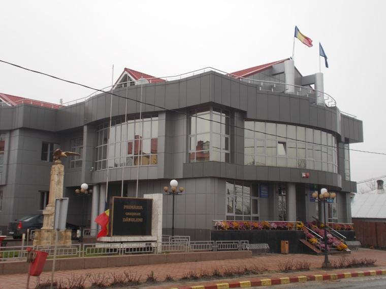 Uniós projektből újították a városka polgármesteri hivatalát, amely így inkább bankfiókra vagy áruházra emlékeztet