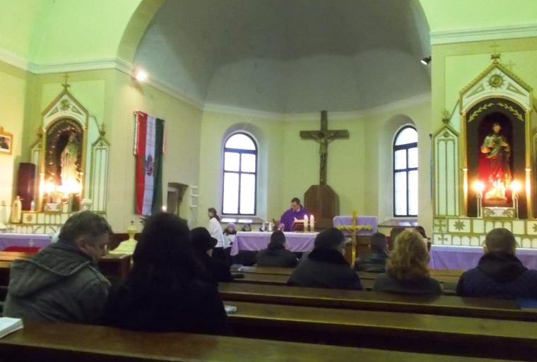 Advent első vasárnapján a reggeli misén