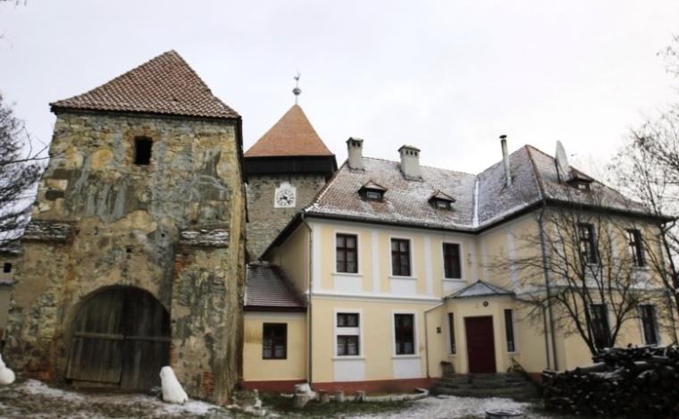 A magyar iskolának helyet biztosító épületet az evangélikus egyháztól bérli az önkormányzat (Fotó: Farkas Antal)