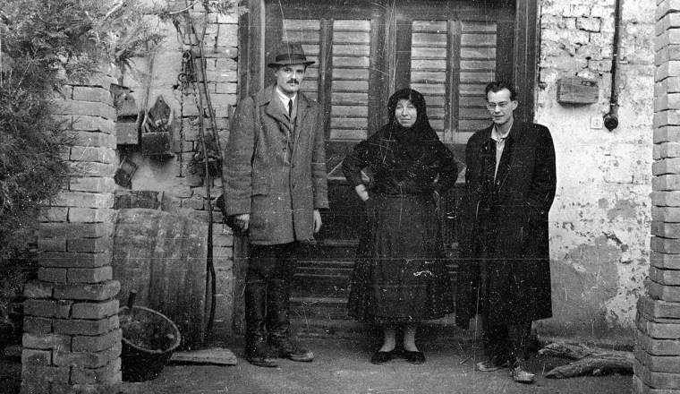 Andrásfalvy, egy bátai adatközlő asszony és Martin György (1960.as évek, Halmos Béla gyűjteményéből)