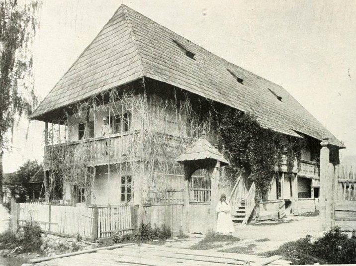 Székely ház Kovásznán a 19. századból - a felvétel 1904-ben készült (Az Országos Széchenyi Könyvtár gyűjteményéből)