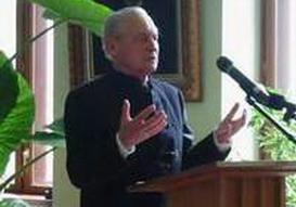 Tőkés István teológusprofesszor - 95 évesen még igét hirdetett Málnáson (Forrás: erdely.ma)