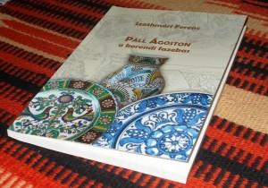 Igényes kivitelű, sok színes fotódokumentummal ellátott kötet Páll Ágoston életútjáról