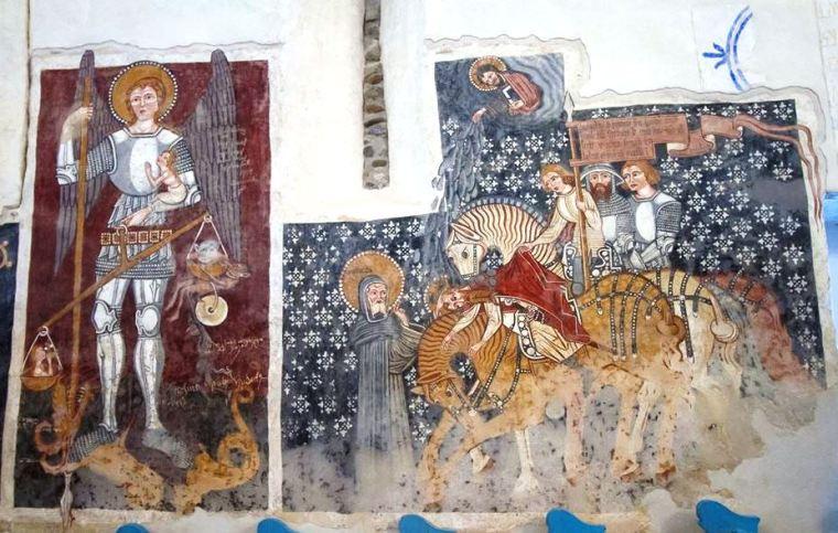 A templombelső déli oldalán található freskók
