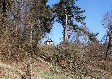 A kápolna megfelelően pozicionált, kiemelt helyszínen található