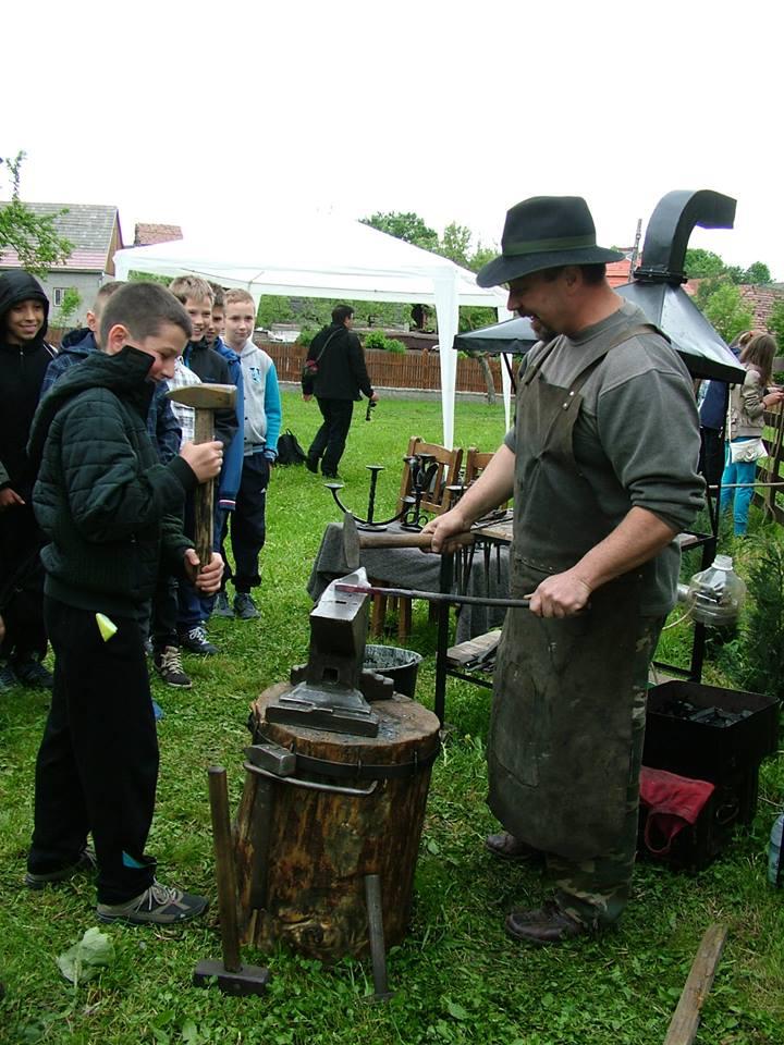 Igen népszerű a kovácsolás technikájának bemutatása