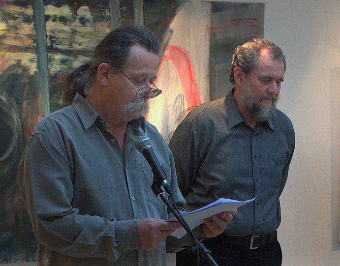 Novotny Tihamér és Miklós Árpád a megnyitón (Fotó: Kacsó Fugecu)