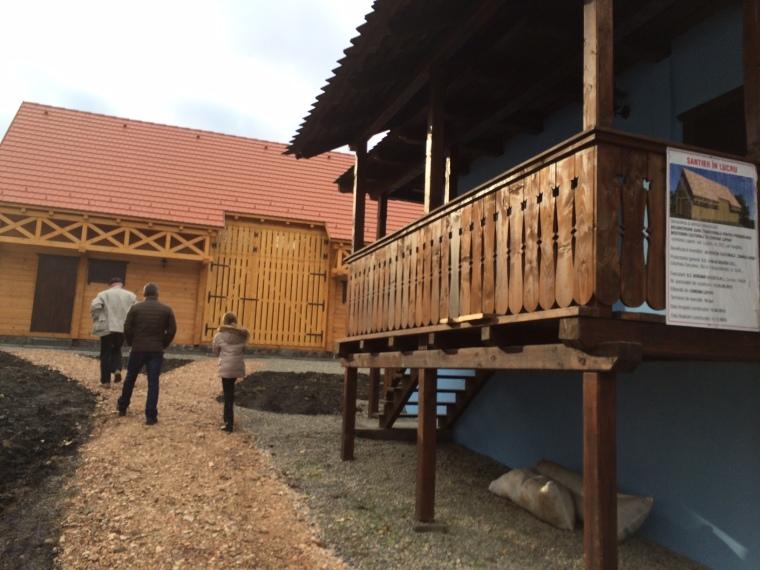 Az Ágnes-ház és a Kultúrcsűr