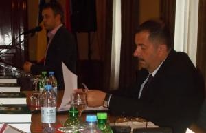 Bunta Levente polgármester (ül) és Miklós Zoltán múzeumigazgató