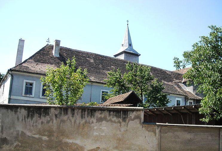 A szászvárosi ferences templom és kolostor (archív felvétel)