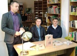 A szerzők a könyv székelyudvarhelyi bemutatóján, Miklós Zoltán múzeumigazgató, néprajzkutató társaságában
