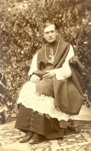 A fiatal püspök - 1940 körül