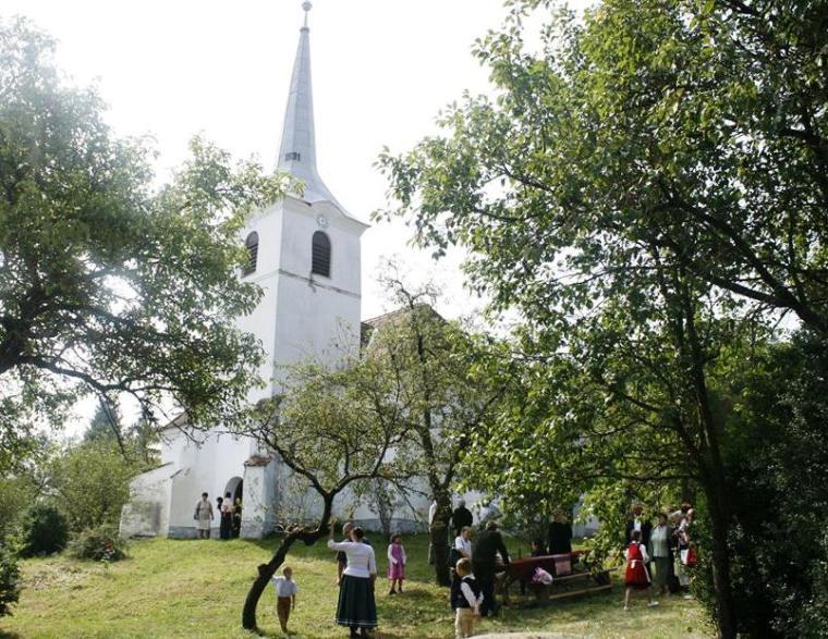 A templomkertben