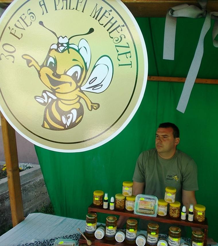 A Pálfi Méhészet standja