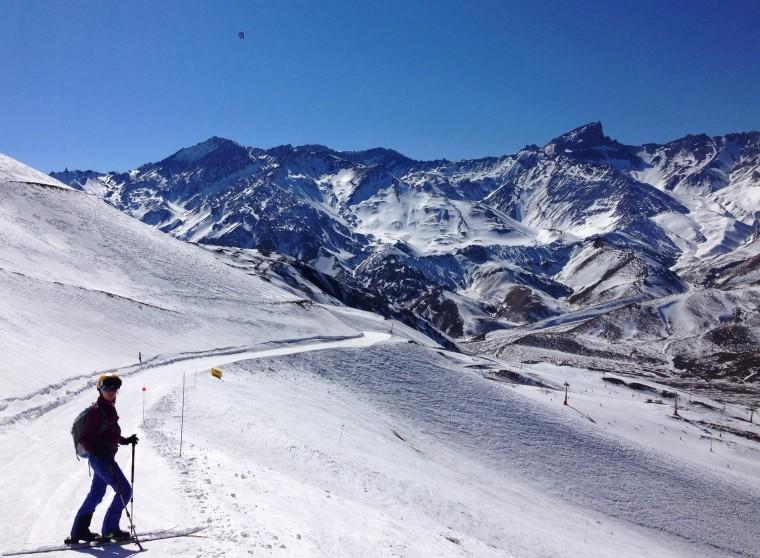 A hattrrben Cerro Lenas (4351 m) tole balra Falso Lenas (3590 m)