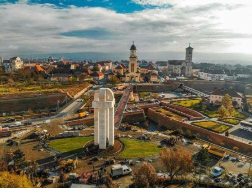 alba-iulia-monumentul-unirii03